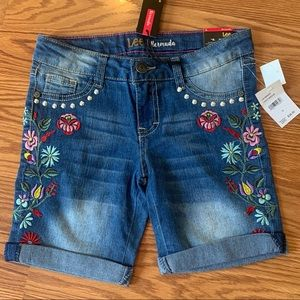 NWT, Lee Burmuda Jean Shorts, Size 10